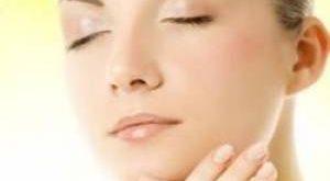 سلامت پوست و مو کدام میوه ی مفید مخصوص زیبایی پوست صورت است؟